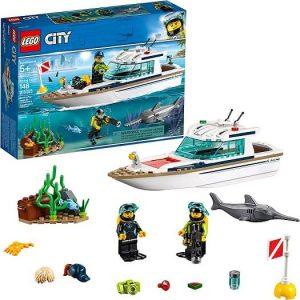 lego yacht vehicles
